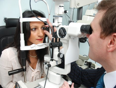 Using The Ophthalmoscope, Slit Lamp And Volk Lens The Health And Overall  Condition Of Your Eyes Will Be Assessed. The Optometrist Is Looking For  Signs Of ...